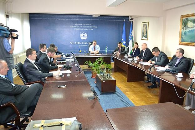 Predstavnici općina Unsko-sanskog kantona potpisali sporazume o međuopćinskoj suradnji sa UNDP-om BiH