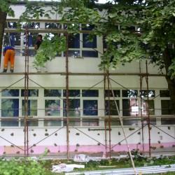 Započeto postavljanje termoizolacione fasade na objektu tehničke škole u Ključu