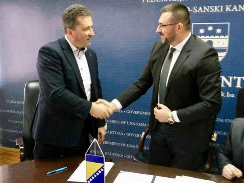 Načelnik Zukanović u Bihaću potpisao Sporazum za izgradnju stanova za raseljene osobe u Ključu