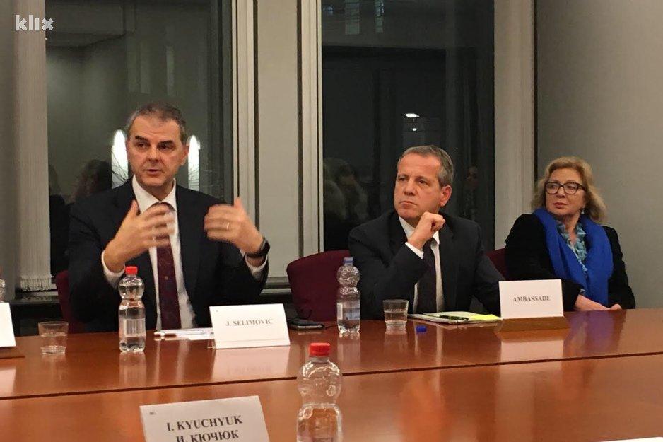 Jasenko Selimović organizovao okrugli sto u Evropskom parlamentu o investicijama u BiH