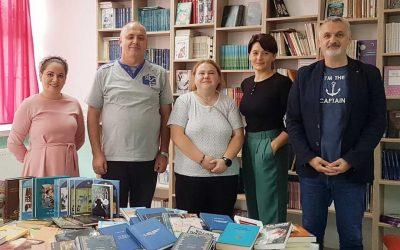 """UOC """"Kosmos"""" sa prijateljima donirao knjige za OŠ """"Donja Vidovska"""""""
